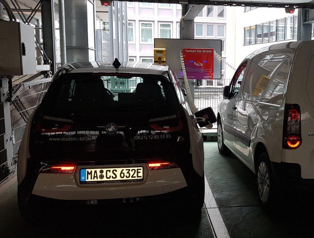 BMW i3 an Ladestation
